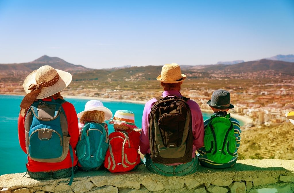mother travel with her three kids