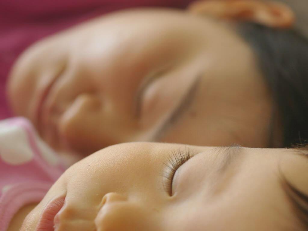 co-sleep with Babies