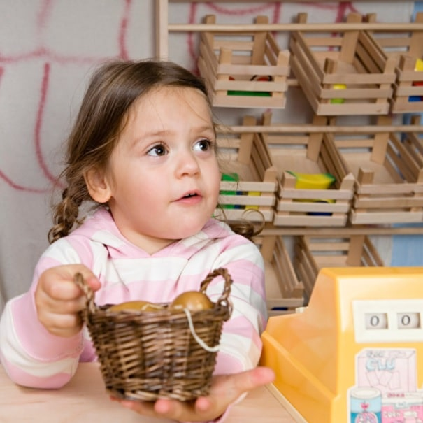 encourage child to use their imagination using play
