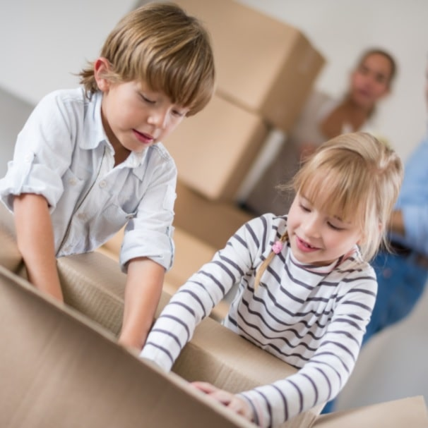how to tell your kids your moving house