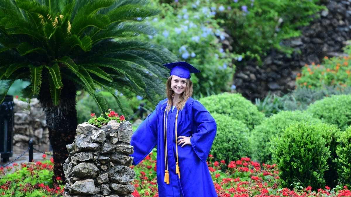 graduation pictorial-college transition